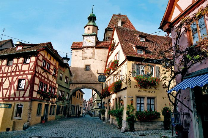 how to get from salzburg to rothenburg