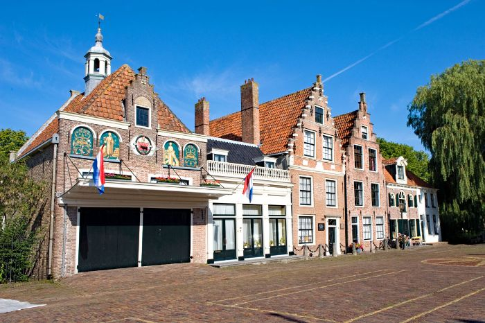 "Local community ""Edam"""