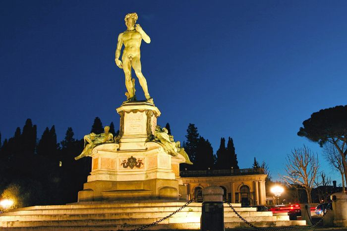 Statue of Davide by night