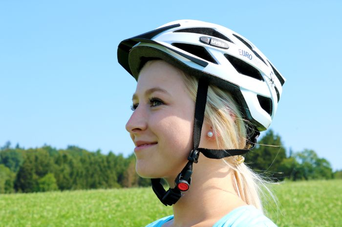 Bicycle helmet wrong fit