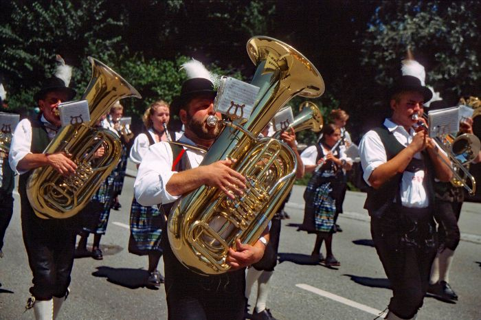 Brass instruments band
