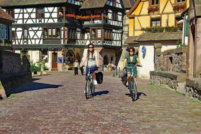 Cyclists in Kaysersberg