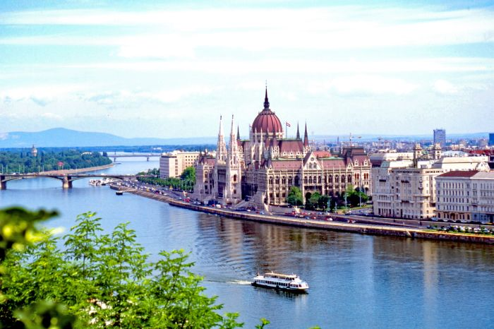 Budapest - Danube - Houses of Parliament